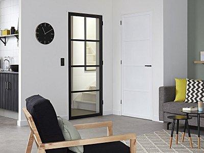 Zwarte Kozijnen Binnen : Binnendeuren afgelakt of zwarte deuren met glas